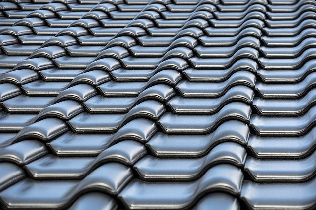 hiring roofing company