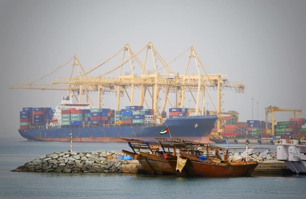 shipping from dubai to pakistan